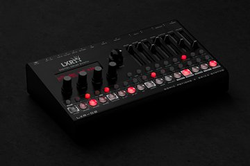 Drum Synthesizer LXR-02